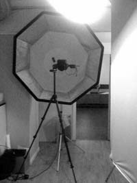 behind-the-scenes-profoto-beauty-dish-above-octa