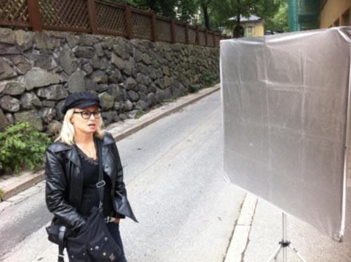 photo-session-outdoor-swedish-singer-chimera-panel-silver