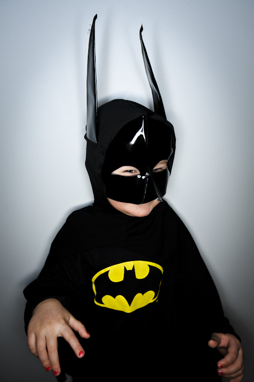 Orbis Ringflash, test at home with Kid Batman. Photographer Stefan Tell