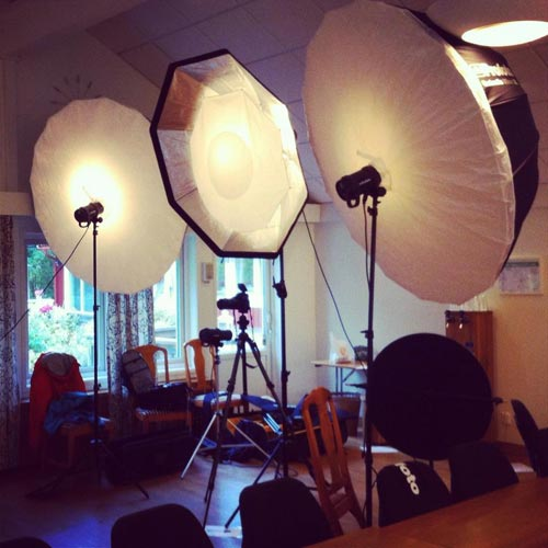 wall-of-light-profoto-group-setup