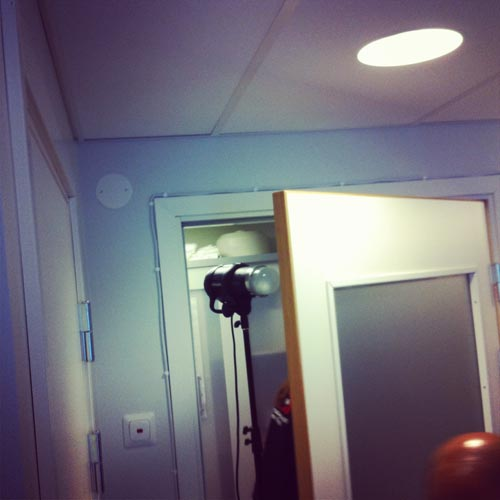 lighting-through-door-with-frosted-glass