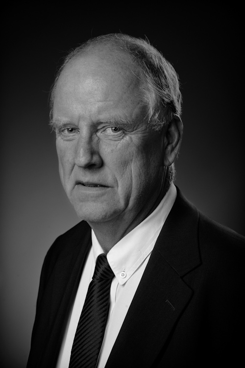 Portrait in black and white of a gentleman. Photographer Stefan Tell