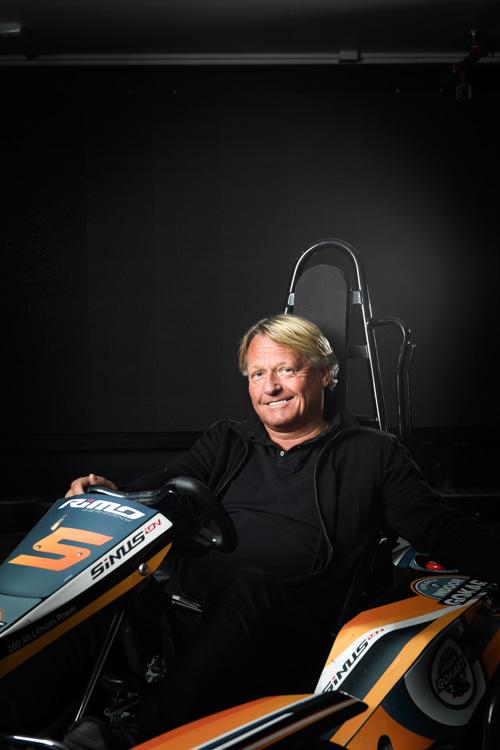 Portrait-of-a-CEO-on-a-gocart-Two-Profoto-B1-Deep-Umbrella-diffusion